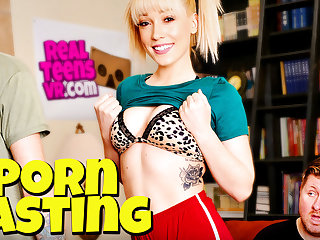 Lily LaBeau  Dylan Snow in NaughtyAmericaVR