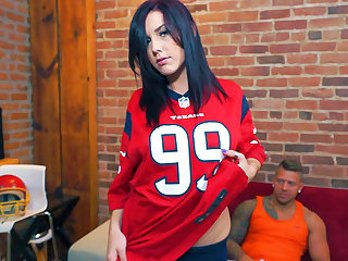 Amy Lee in What a TOUCHDOWN - PegasProductions
